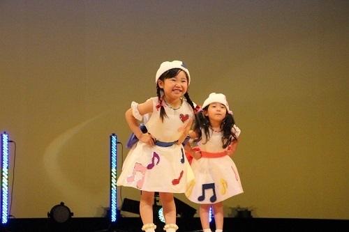 9 ダンス りす2 女 笑顔.jpg